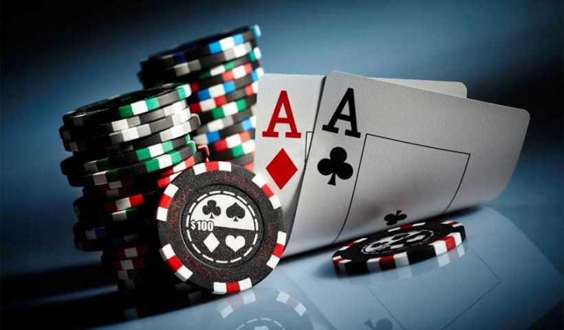 live chat poker online